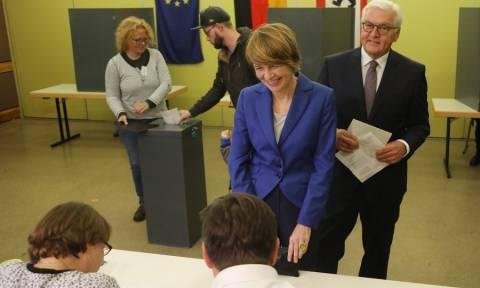 Γερμανικές Εκλογές: Δραματική έκκληση του Προέδρου Σταϊνμάγερ για προσέλευση στις κάλπες