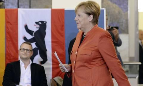 Γερμανικές εκλογές: Η Μέρκελ αναλαμβάνει την ευθύνη για τα χαμηλά ποσοστά των Χριστιανοδημοκρατών