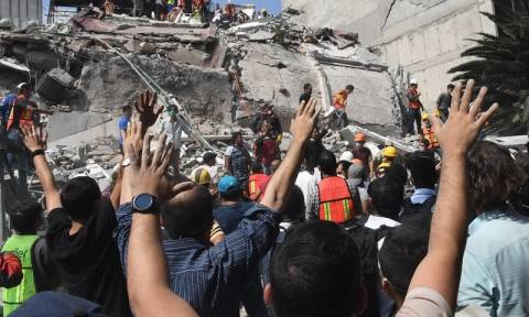 Σεισμός Μεξικό: Αυξήθηκε ο αριθμός των νεκρών από τον φονικό σεισμό των 7,1 Ρίχτερ (pics)