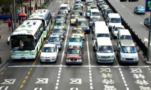 H Κίνα θα καταργήσει τα αυτοκίνητα με κινητήρες εσωτερικής καύσης;