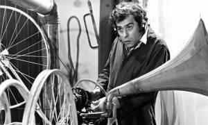 Σαν σήμερα το 1984 απεβίωσε ο ηθοποιός του θεάτρου και του κινηματογράφου Χρόνης Εξαρχάκος