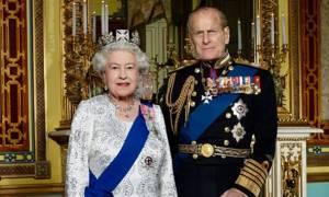 Σάλος στη Βρετανία: «Ο πρίγκιπας Φίλιππος κεράτωνε τη βασίλισσα Ελισάβετ»