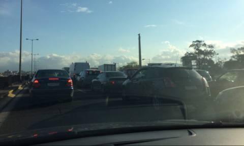 ΤΩΡΑ: Κυκλοφοριακό κομφούζιο στην Αθηνών - Λαμίας