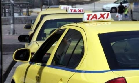 Υπουργείο Μεταφορών για τα ταξί: Είτε θέλουν είτε δε θέλουν ορισμένοι, θα μπει τάξη οριστικά