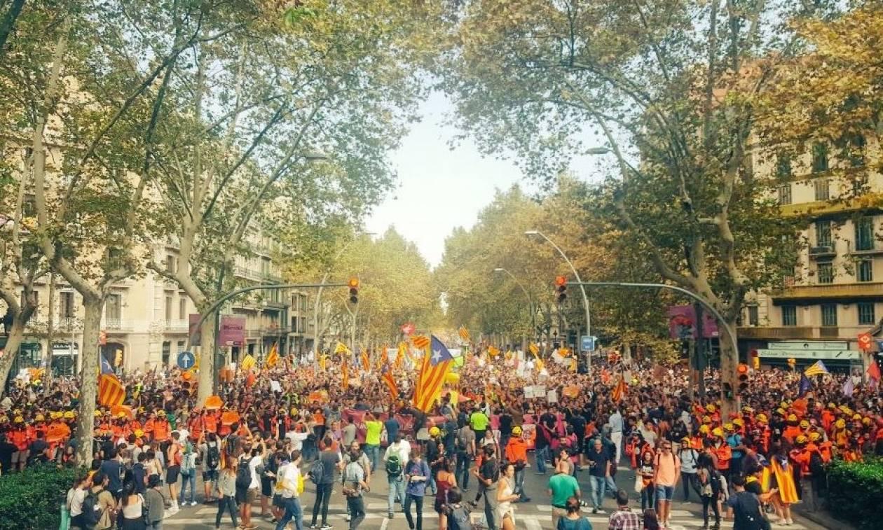 Καταλονία: Αποφασισμένοι για το δημοψήφισμα δηλώνουν οι αυτονομιστές