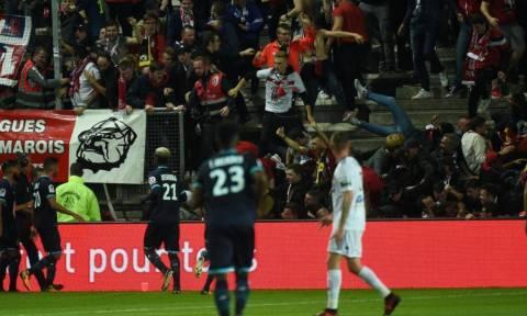 Γαλλία: Τρόμος σε γήπεδο - Τουλάχιστον 29 τραυματίες από την κατάρρευση κιγκλιδώματος (pics)