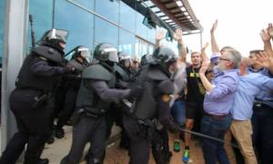 Καταλονία: Πλαστικές σφαίρες και ξύλο - Τουλάχιστον 38 τραυματίες