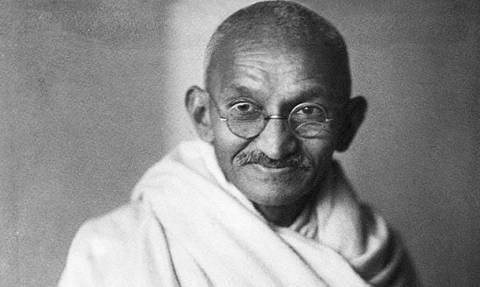 Σαν σήμερα το 1869 γεννήθηκε ο πνευματικός ηγέτης της Ινδίας Μαχάτμα Γκάντι