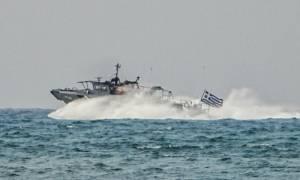 Συναγερμός στο Λιμενικό: Εντοπίστηκε βάρκα με δεκάδες πρόσφυγες και μετανάστες στην Πύλο