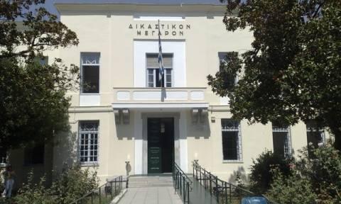 Σκηνές πανικού στο Βόλο: Άνδρας μπήκε στα Δικαστήρια με αεροβόλο όπλο