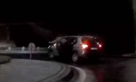 Κρήτη: Μεθυσμένος «κρέμεται» από αυτοκίνητο εν κινήσει! (vid)