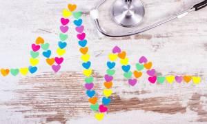 Έμφραγμα vs ανακοπή καρδιάς: Οι τρεις βασικές διαφορές που πρέπει να γνωρίζετε