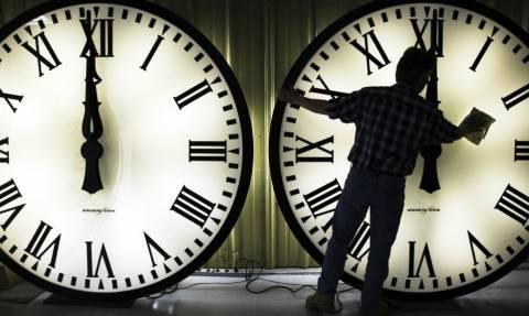 Αλλαγή ώρας 2017: Από θερινή σε χειμερινή - Πότε γυρίζουμε τα ρολόγια μας μία ώρα πίσω