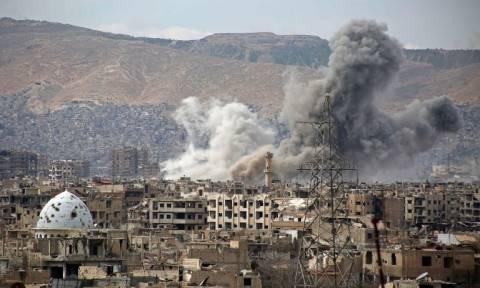 Συρία: Πολύνεκρη αεροπορική επιδρομή στη Ράκα
