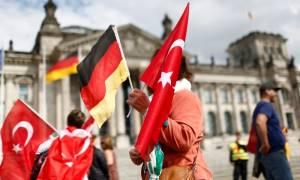Αρχίζει να «λυγίζει» η Τουρκία απέναντι στη Γερμανία