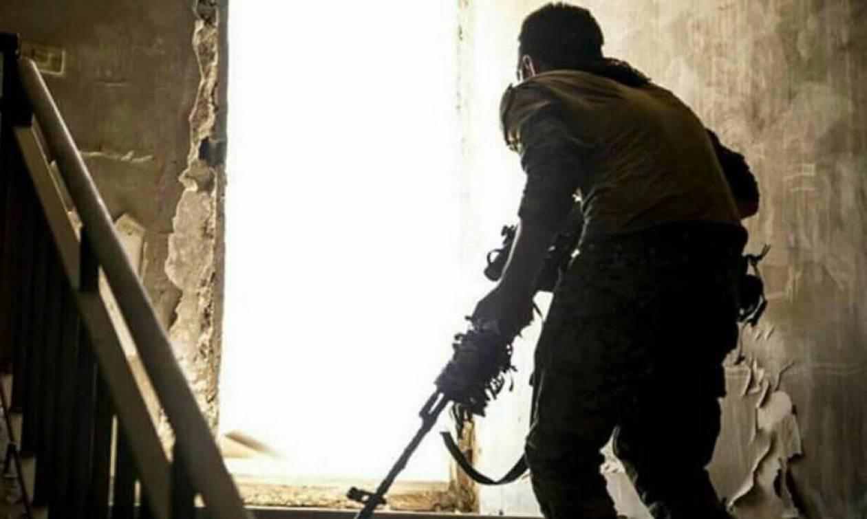 Ράκα: Η τελευταία έφοδος – Σε άτακτη φυγή οι τζιχαντιστές στην πρωτεύουσα του ISIS στη Συρία (Vid)