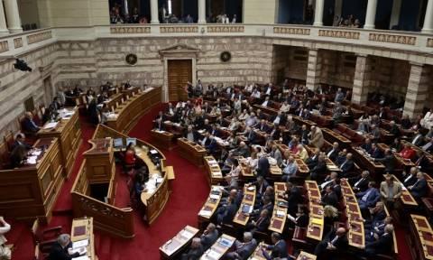 Δημοσκόπηση «χαστούκι» στην κυβέρνηση – Επτά στους δέκα κατά της αλλαγής φύλου στα 15
