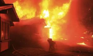 ΗΠΑ: Σε κατάσταση καταστροφής κήρυξε ο Τραμπ την Καλιφόρνια - Τους 15 έφτασαν οι νεκροί (pics+vids)