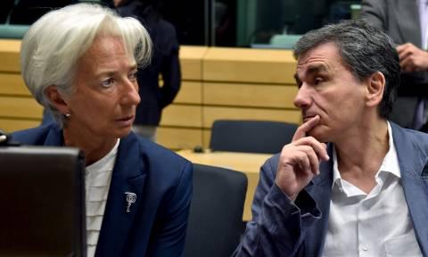 «Βόμβα» ΔΝΤ: Κίνδυνος για νέα μέτρα, εάν το πρωτογενές πλεόνασμα δεν φτάσει στο 3,5% το 2018