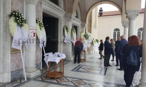 Πάτρα: Θρήνος στην κηδεία του 22χρονου που σκοτώθηκε μαζεύοντας καρύδια