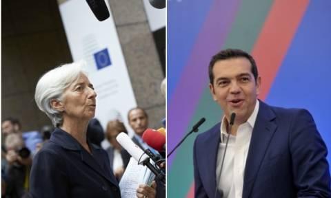 Το ΔΝΤ απαιτεί νέα μέτρα κι ο Τσίπρας υπόσχεται... μείωση της φορολογίας μέσα στο 2018!