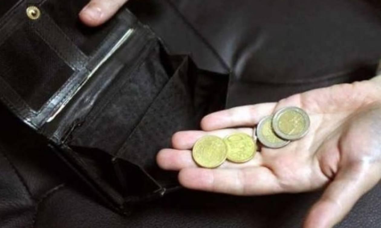 Πάμφτωχα τα ελληνικά νοικοκυριά: Μόνο τον Αύγουστο άφησαν απλήρωτους φόρους 1 δισ. ευρώ!