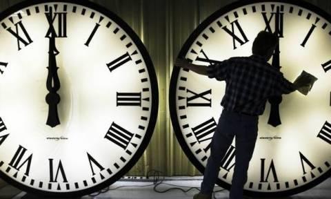 Αλλαγή ώρας 2017 από θερινή σε χειμερινή - Πότε γυρίζουμε τα ρολόγια μας μία ώρα πίσω