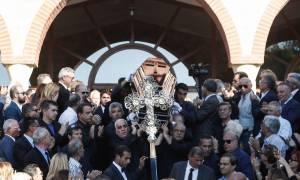 Θρήνος και οργή! Ράγισαν καρδιές στην κηδεία του Μιχάλη Ζαφειρόπουλου