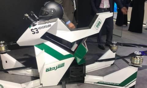 Ντουμπάι: Περιπολίες αστυνομικών με… ιπτάμενες μηχανές (pics & vid)
