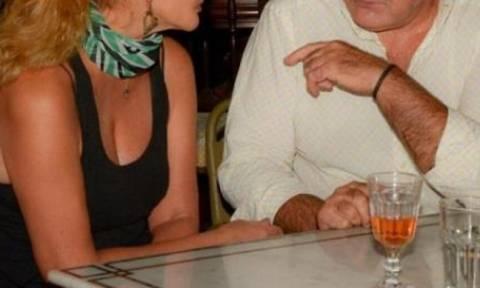 Επανασύνδεση μετά από 30 χρόνια - Δείτε το ζευγάρι σε βραδινή του έξοδο στο κέντρο της Αθήνας