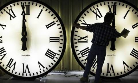 Αλλαγή ώρας 2017: Γίνεται χειμερινή - Δείτε πότε γυρίζουμε τα ρολόγια μας μία ώρα πίσω