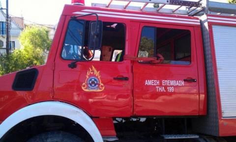 Φωτιά σε κτήριο στα Εξάρχεια