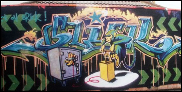 PAY BNPS BanksyHouse 09