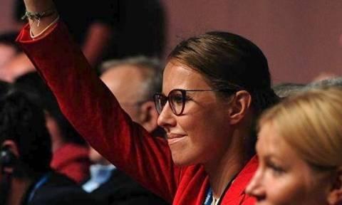 Αυτή είναι η εντυπωσιακή παρουσιάστρια που θα διεκδικήσει την ρωσική Προεδρία