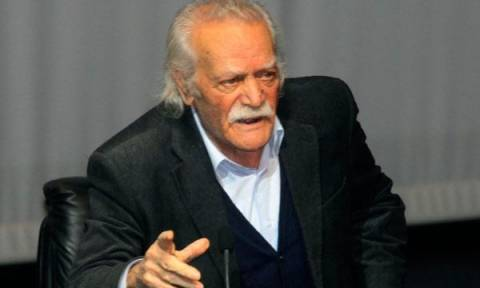 Έξαλλος ο Γλέζος με τον Τσίπρα:«Οργίζομαι γιατί διαπραγματεύεται πώς θα παραδώσει τη χώρα του!»