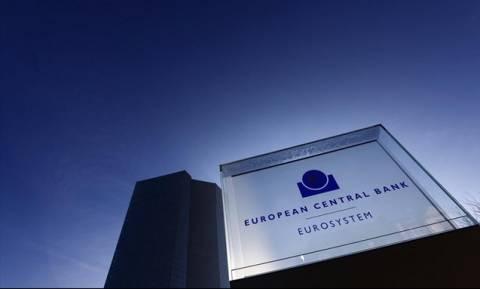 Reuters: Η ΕΚΤ βρίσκεται σε πίεση με τα κόκκινα δάνεια