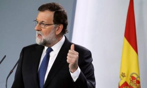 Ραγδαίες εξελίξεις: Ο Ραχόι προχωρά σε άρση της αυτονομίας της Καταλονίας