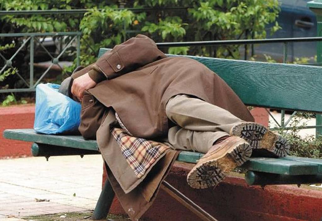 Μεγαλείο ανθρωπιάς στο Αγρίνιο: Μία πόλη κινητοποιήθηκε για να βοηθήσει έναν άστεγο