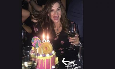 Βάσω Λασκαράκη: Τα «έσπασε» στα μπουζούκια γιορτάζοντας τα γενέθλιά της