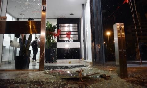 Ο πολιτικός κόσμος καταδικάζει την επίθεση στο «Έθνος»