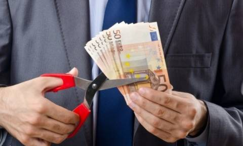 Στα 394 ευρώ ο μέσος μισθός - Ακόμη πιο κάτω και από τον βασικό!