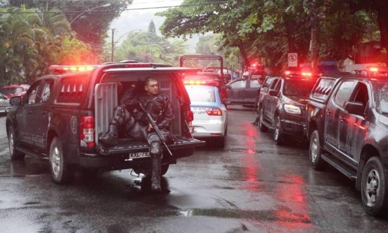 Βραζιλία: Τραγικό λάθος της αστυνομίας - «Γάζωσαν» όχημα με τουρίστες σκοτώνοντας μια γυναίκα