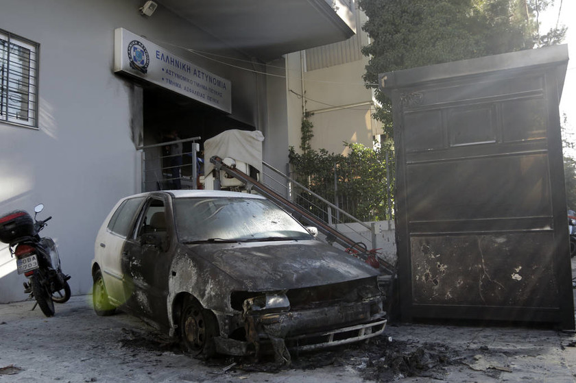 Επίθεση στο ΑΤ Πεύκης: «Ήθελαν νεκρούς» καταγγέλει ο γγ των Ειδικών Φρουρών