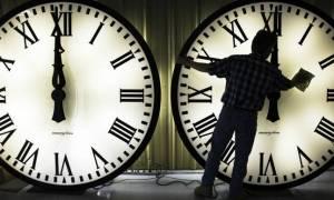 Αλλαγή ώρας 2017 από θερινή σε χειμερινή: Τα ρολόγια πάνε μία ώρα πίσω - Δείτε πότε