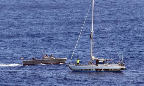 Απίστευτη ιστορία διάσωσης! Χάθηκαν στον ωκεανό και τις βρήκαν πέντε μήνες μετά (pics+vid)