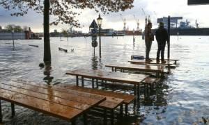 Σφοδρή κακοκαιρία σαρώνει την Ευρώπη: Έξι νεκροί και τεράστιες καταστροφές (pics)