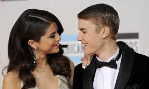 Μετά τις φήμες περί χωρισμού, η Selena Gomez ξανά μαζί με τον Justin Bieber