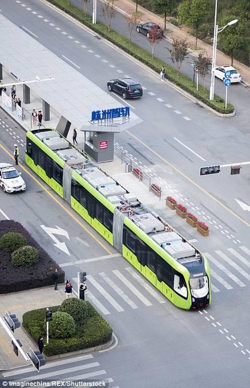 Κίνα: Ξεκίνησε να λειτουργεί τo πρώτο «έξυπνο» τρένο! (pics+vid)