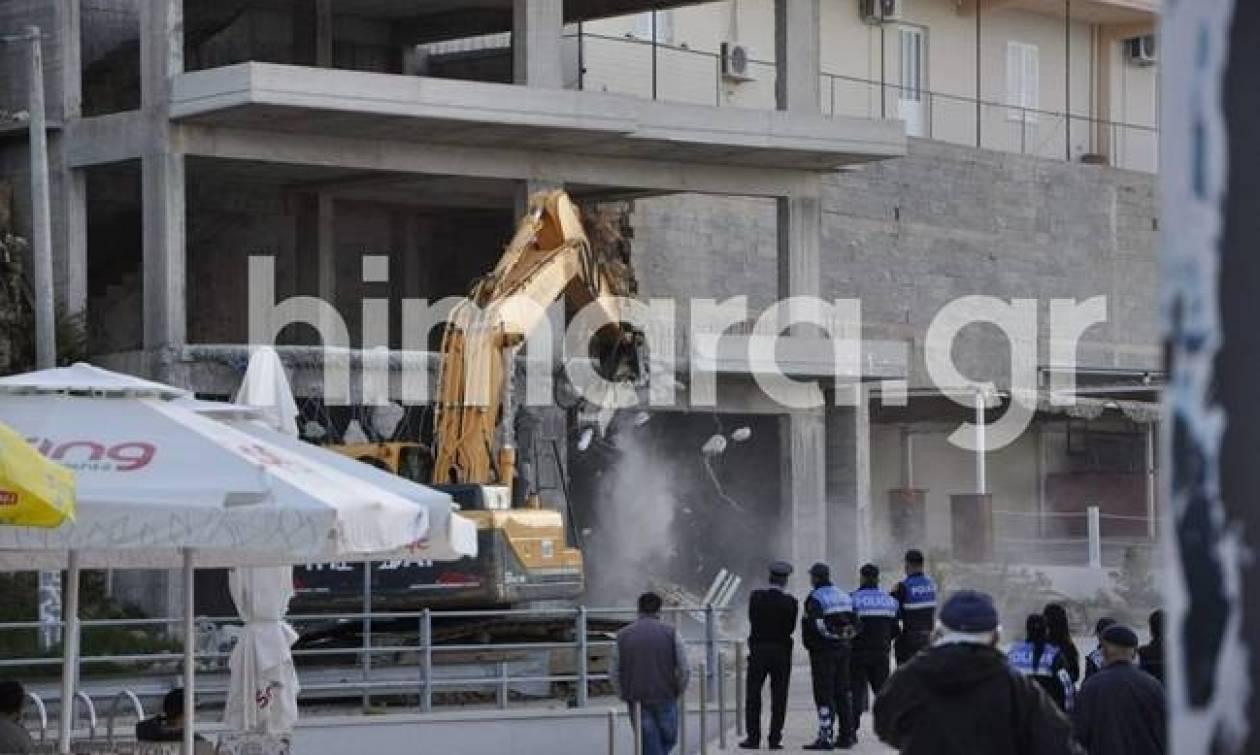 Δραματική η κατάσταση στη Χειμάρρα: «Ελλάδα πραστάτεψέ μας»!