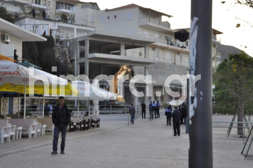 Απαράδεκτη πρόκληση των Αλβανών: Κατεδάφισαν σπίτια Ελλήνων ομογενών στη Χειμάρρα